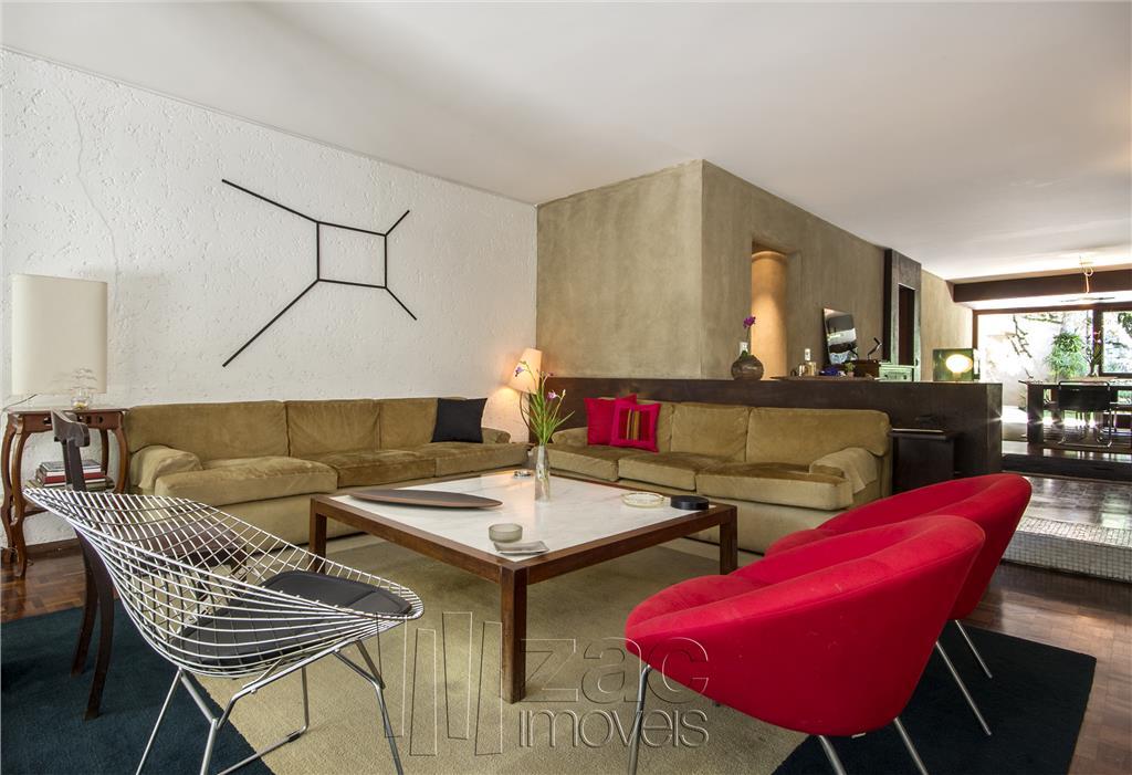 Convite ao convivio, numa bela casa reformada por Gianfranco Vannucchi