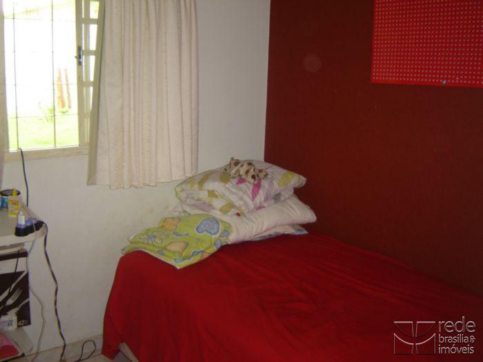 Casa de 4 dormitórios em Guará I, Guará - DF