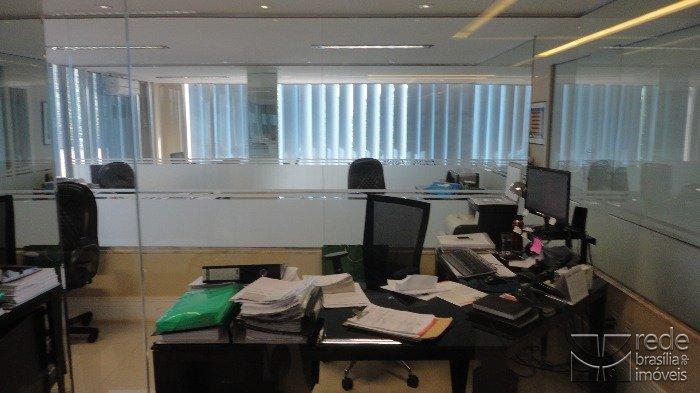 Sala em Zona Industrial, Guará - DF
