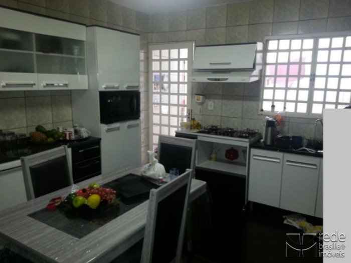 Casa de 3 dormitórios em Ceilândia Norte, Ceilândia - DF