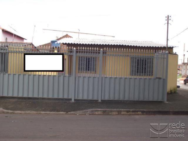 Casa de 2 dormitórios em Samambaia Sul, Samambaia - DF