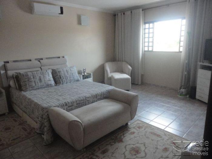 Casa de 3 dormitórios em Park Way, Brasília - DF