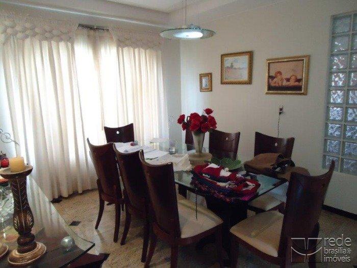 Casa de 4 dormitórios em Park Way, Brasília - DF