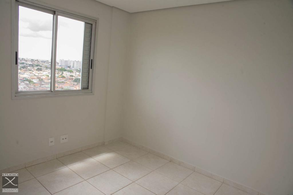 Apartamento de 2 dormitórios em Taguatinga Norte, Taguatinga - DF
