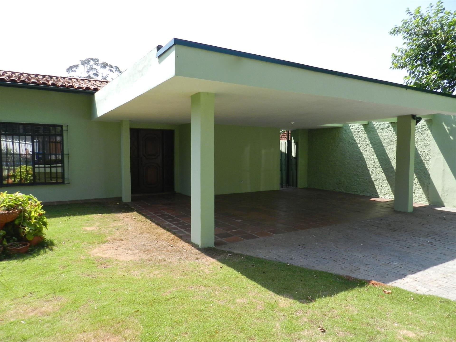 Casa / Sobrado para Venda/Locação - Granja Viana