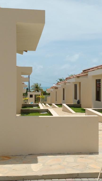 Casa com 2 qts, piscina e área gourmet, BAIXOU O PREÇO!