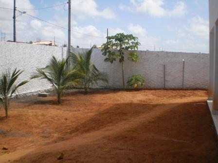 Casa na parte alta de Carapibus, perto do binário