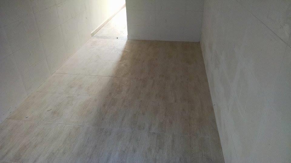Sobrado residencial à venda, Japuí, São Vicente. de BS Imóveis.'
