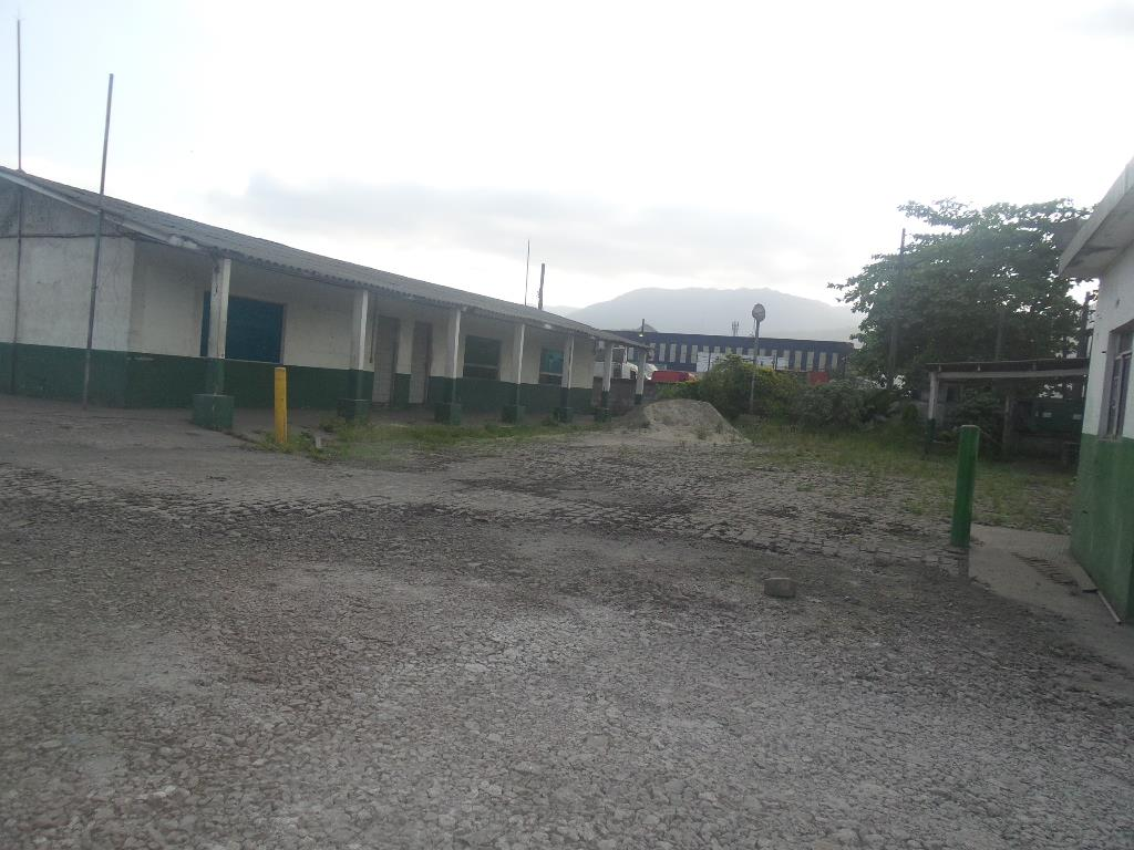 Galpão comercial para locação, Vila Parisi, Cubatão.