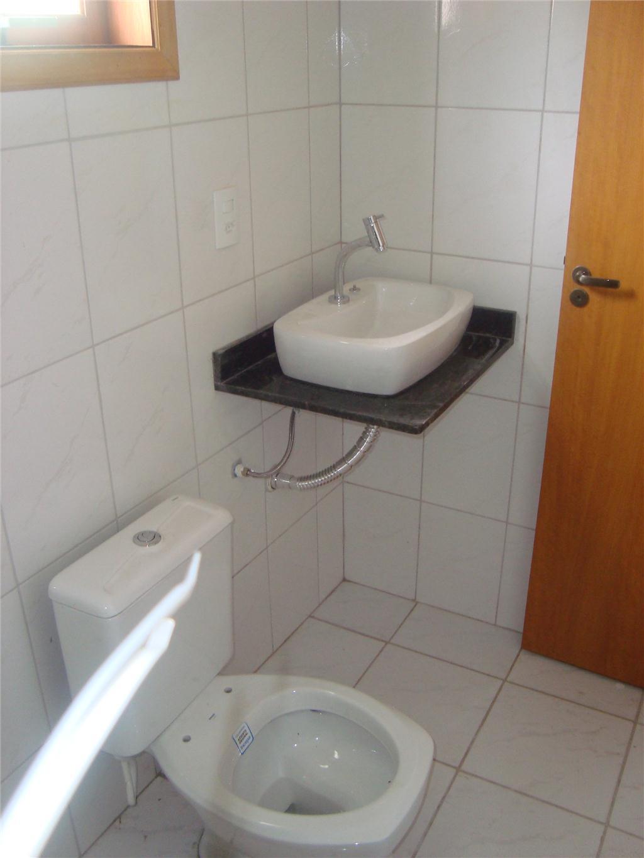 Pin No Banheiro A Cuba Sobreposta Deixa Mais Espaço Livre No Gabinete  #6F3815 1024 1365