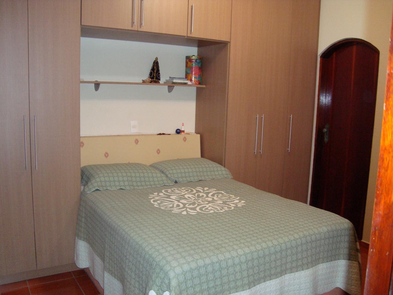 Casa de 2 dormitórios em Condomínio Itamambuca, Valinhos - SP
