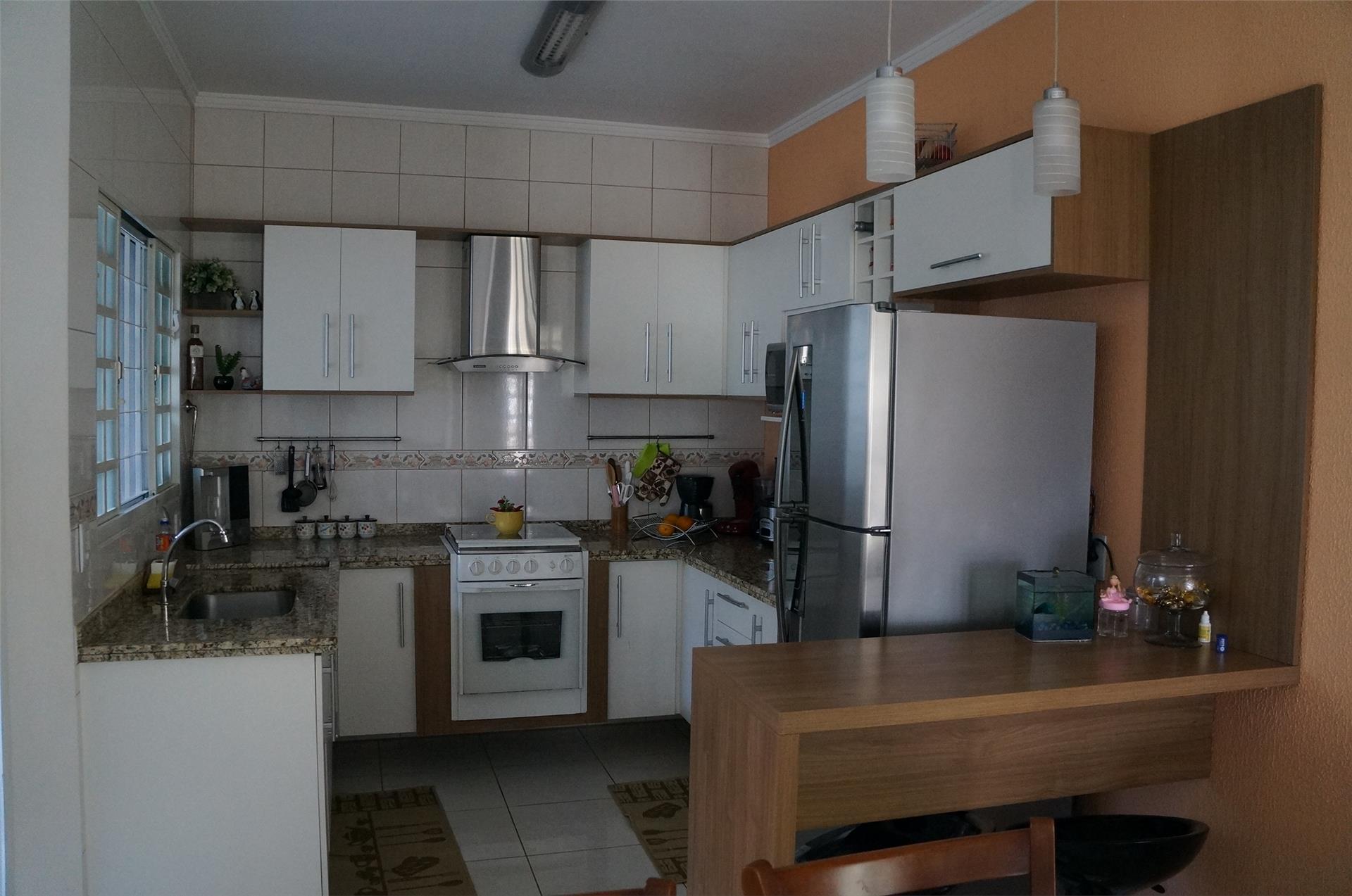Casa de 3 dormitórios em Loteamento Residencial Fonte Nova, Valinhos - SP