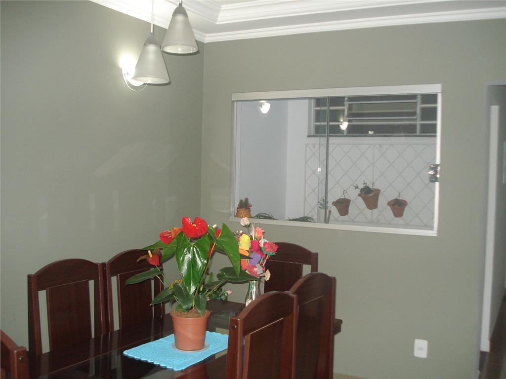 Total Imóveis - Casa 3 Dorm, Jardim Florestal