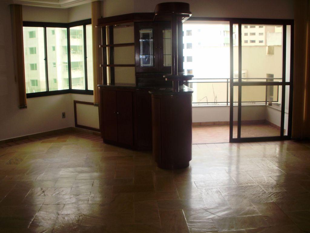 Apto 4 Dorm, Centro, Florianópolis (AP0156)