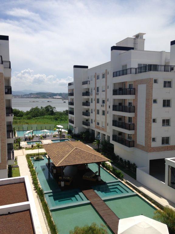 Cobertura  residencial para locação, Abraão, Florianópolis.