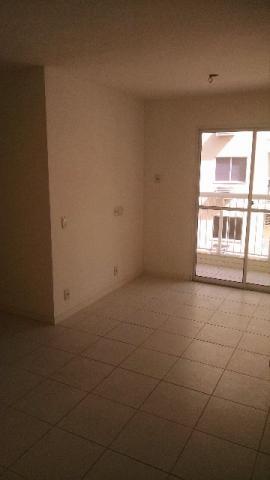 Vale das Paineiras, Lindo Apto, Vazio, Varanda, Sala, 2 Quartos, Suite, Banho, Cozinha, Área, Vaga, Play Clube.