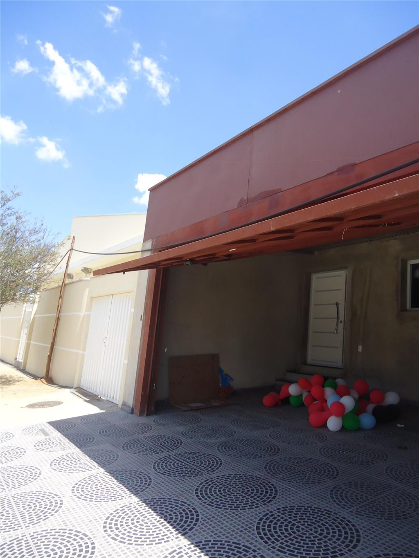 Casa de 2 dormitórios em Jardim Do Trevo, Campinas - SP