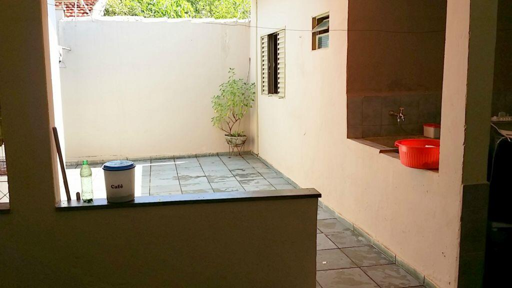 Casa 3 dormitórios no Jardim Independência, Ribeirão Preto.