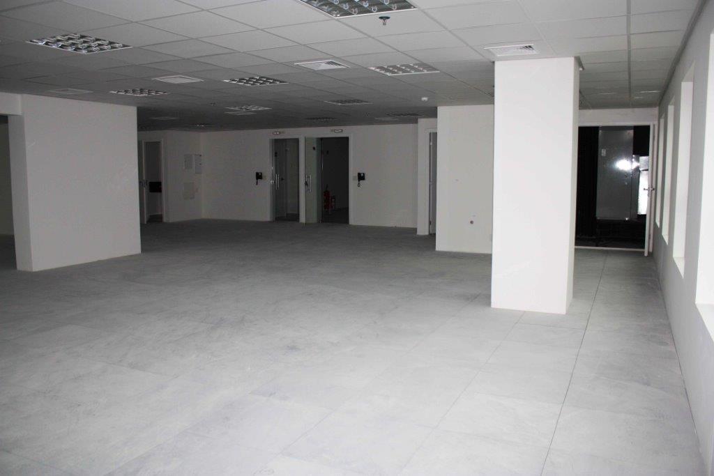 Conjunto em Alphaville Empresarial, Barueri - SP