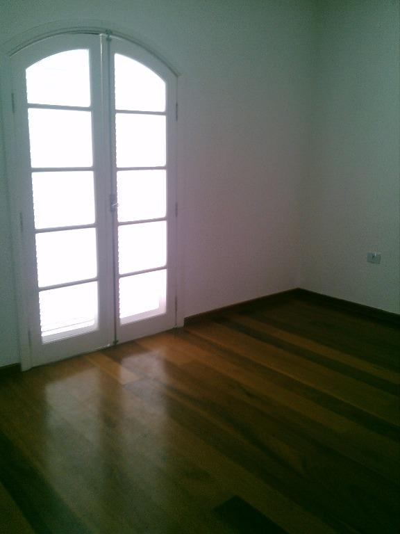 Sobrado de 4 dormitórios em Adalgisa, Osasco - SP