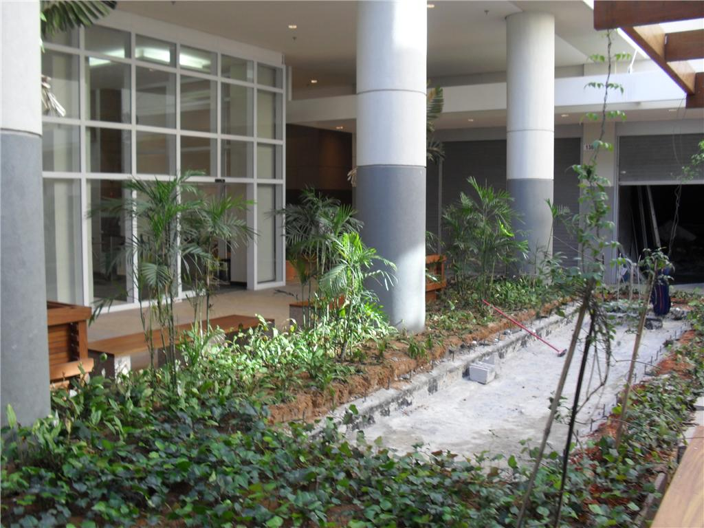 Sala à venda em Km 18, Osasco - SP