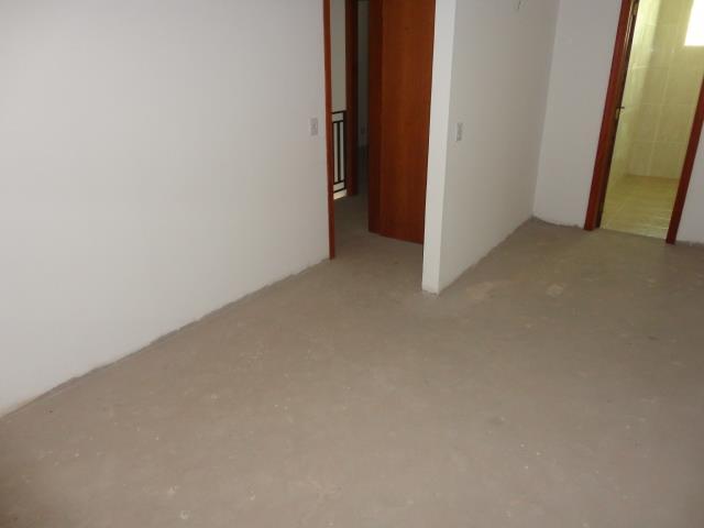 Sobrado de 3 dormitórios em Granja Viana, Cotia - SP