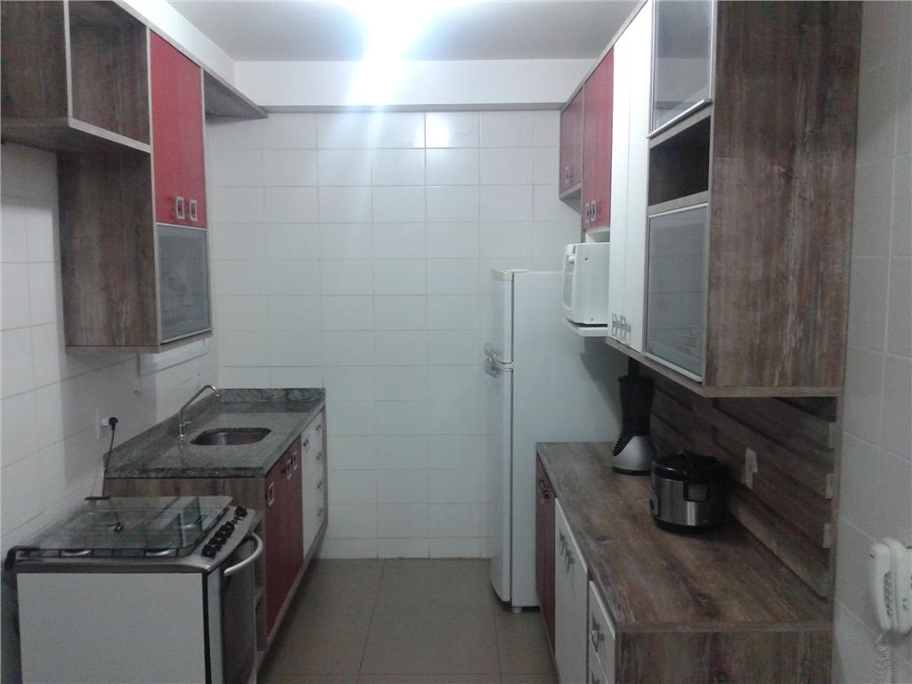 Apartamento de 3 dormitórios em Jardim Tupanci, Barueri - SP
