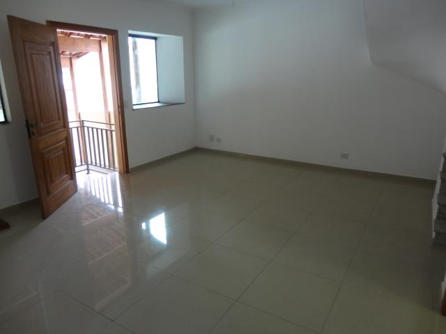 Sobrado de 3 dormitórios à venda em Granja Viana, Cotia - SP