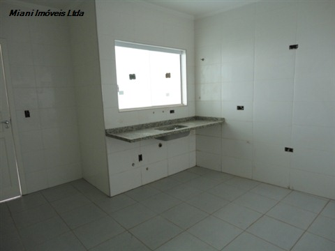 Casa de 3 dormitórios em Jardim Ester Yolanda, São Paulo - SP