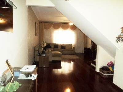 Sobrado de 3 dormitórios em Jardim D Abril, Osasco - SP