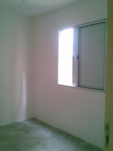 Apartamento de 3 dormitórios em Jardim Marilu, Carapicuíba - SP