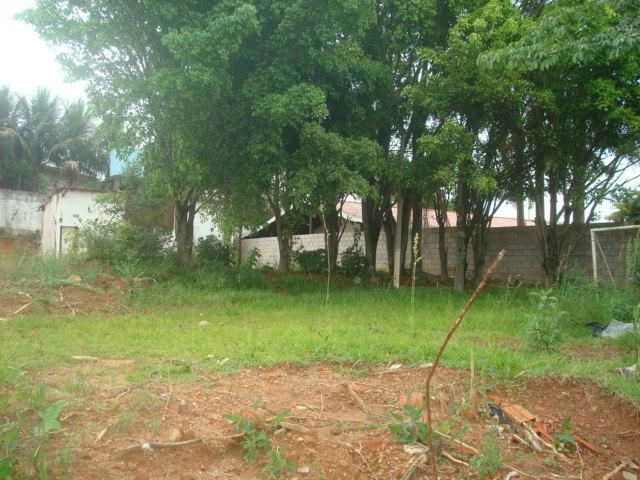 Terreno residencial à venda, Parque Residencial Maison Blanc