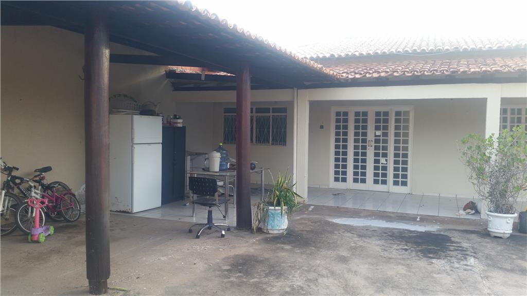Casa  residencial para locação. no centro da cidade de Terra Brasil Imóveis