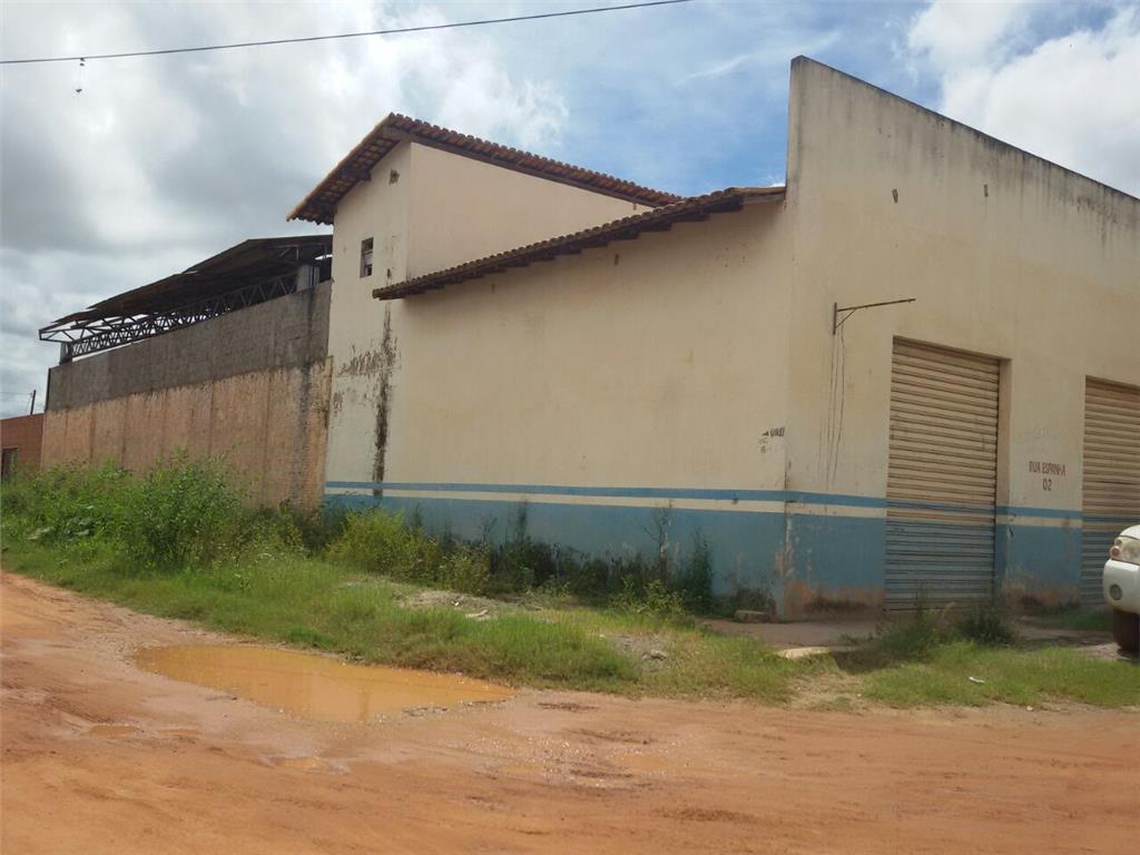 Galpão com localização previlegiada proximo a Pedro Neiva