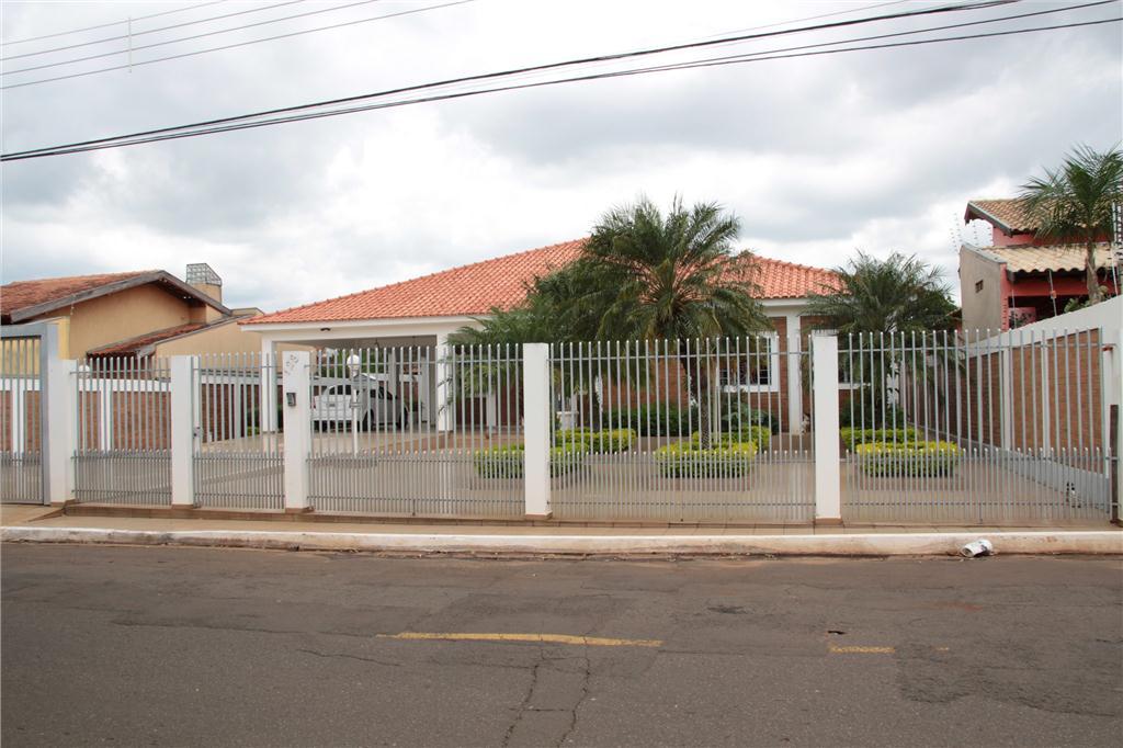 Casa Ampla e Arejada no Santa Carmelia