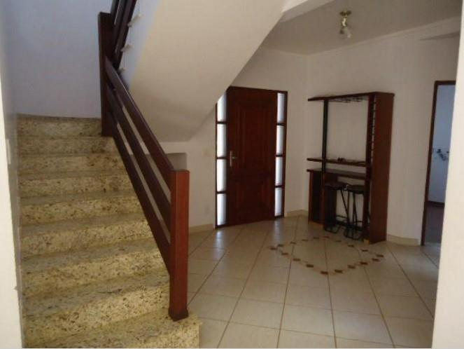 Casa de 3 dormitórios à venda em Parque Valinhos, Valinhos - SP
