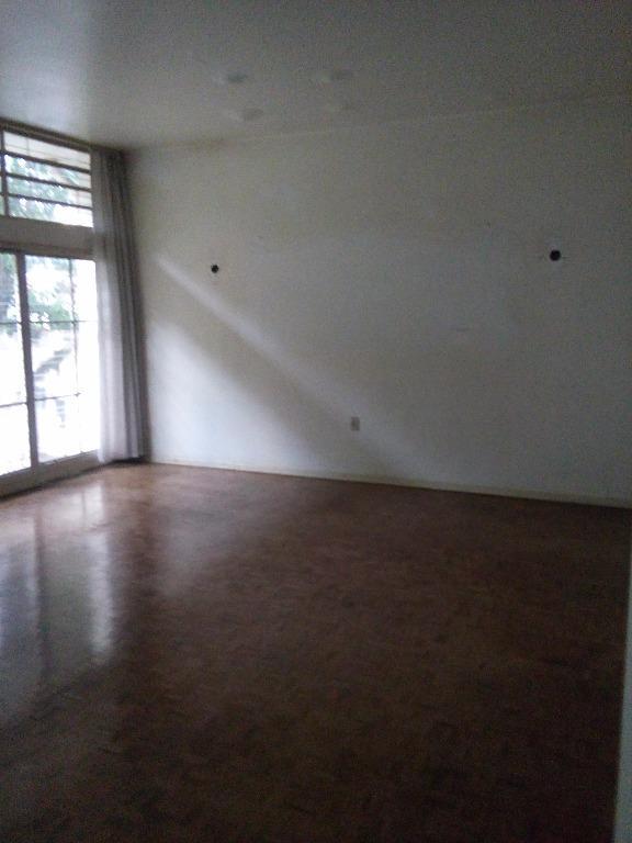 Casa de 3 dormitórios à venda em Cambuí, Campinas - SP