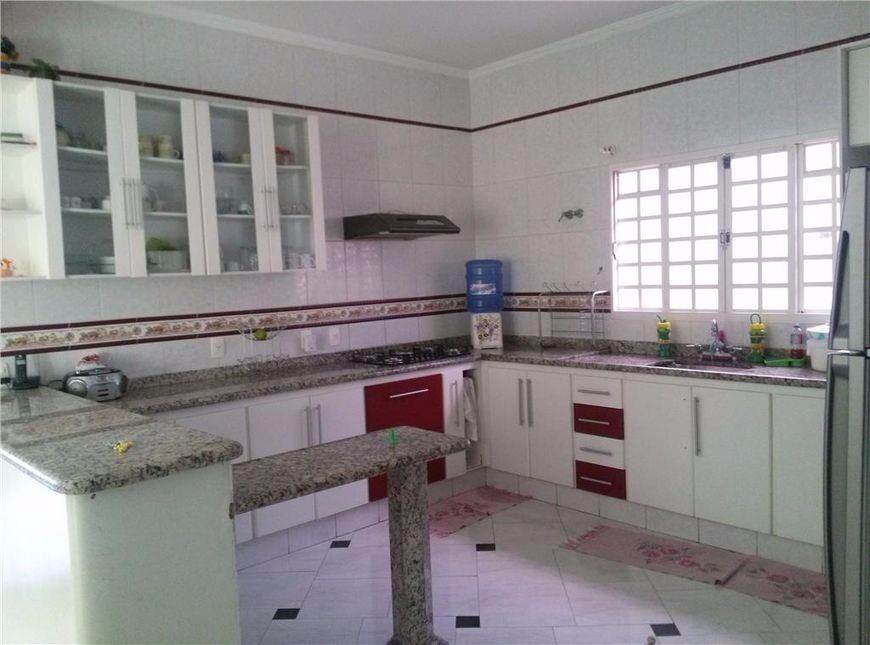 Casa de 3 dormitórios à venda em Parque Dom Pedro Ii, Campinas - SP