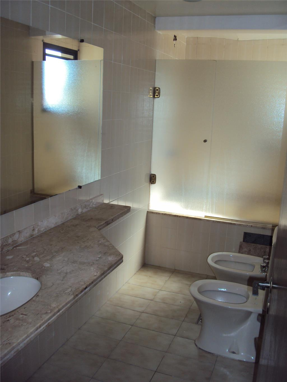 Apartamento de 3 dormitórios à venda em Vila Embaré, Valinhos - SP