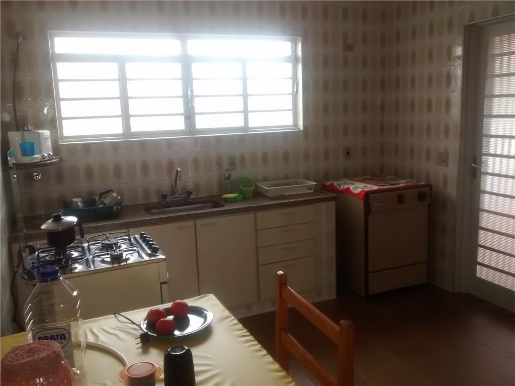 Casa de 3 dormitórios à venda em Vila Nogueira, Campinas - SP