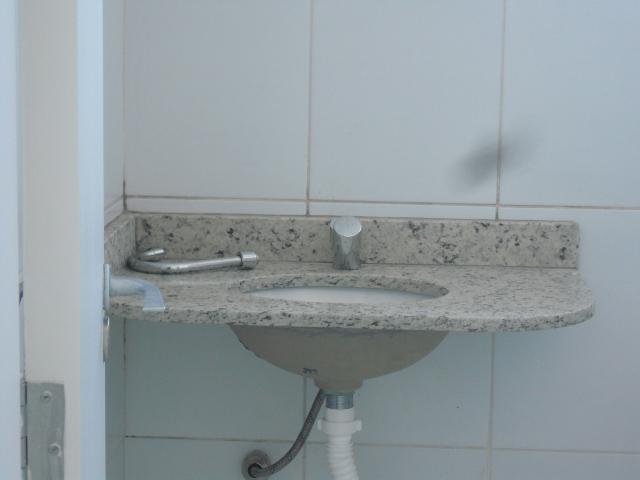 Apartamento de 2 dormitórios à venda em Recanto Santa Catarina, Paulínia - SP