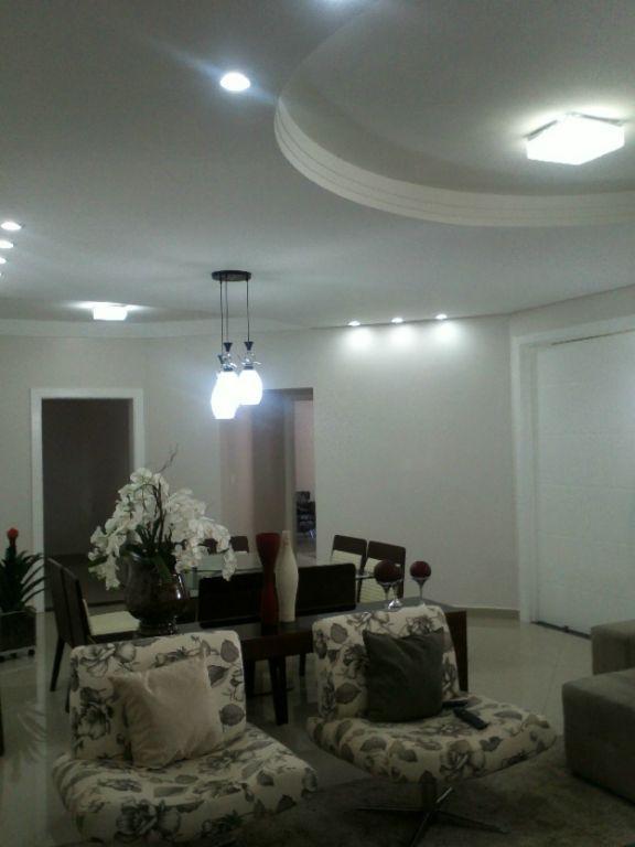 Casa de 4 dormitórios à venda em Jardim Maria Helena, Nova Odessa - SP
