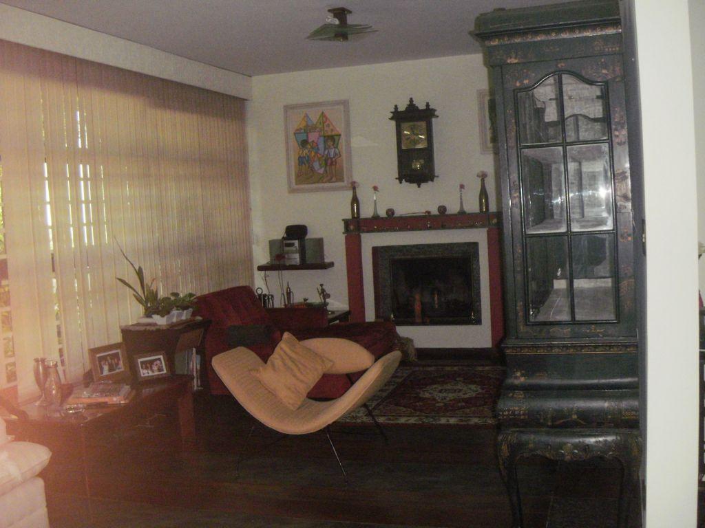 Total Imóveis - Casa 3 Dorm, Granja Julieta