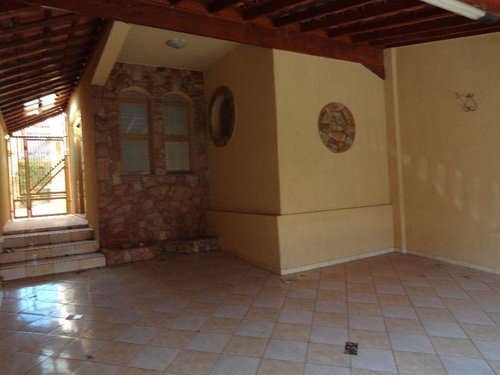Casa residencial para locação, Jardim Macarenko, Sumaré.