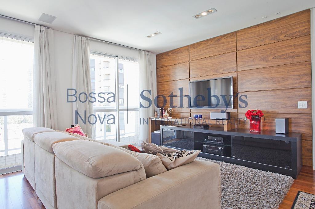 Lindo apartamento no Brooklin em torre única, com lazer total