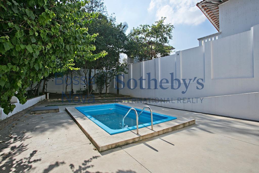 Espaço e conforto com piscina