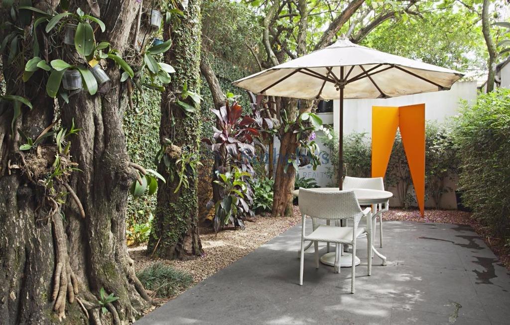 Casa diferenciada ao lado do Parque Ibirapuera