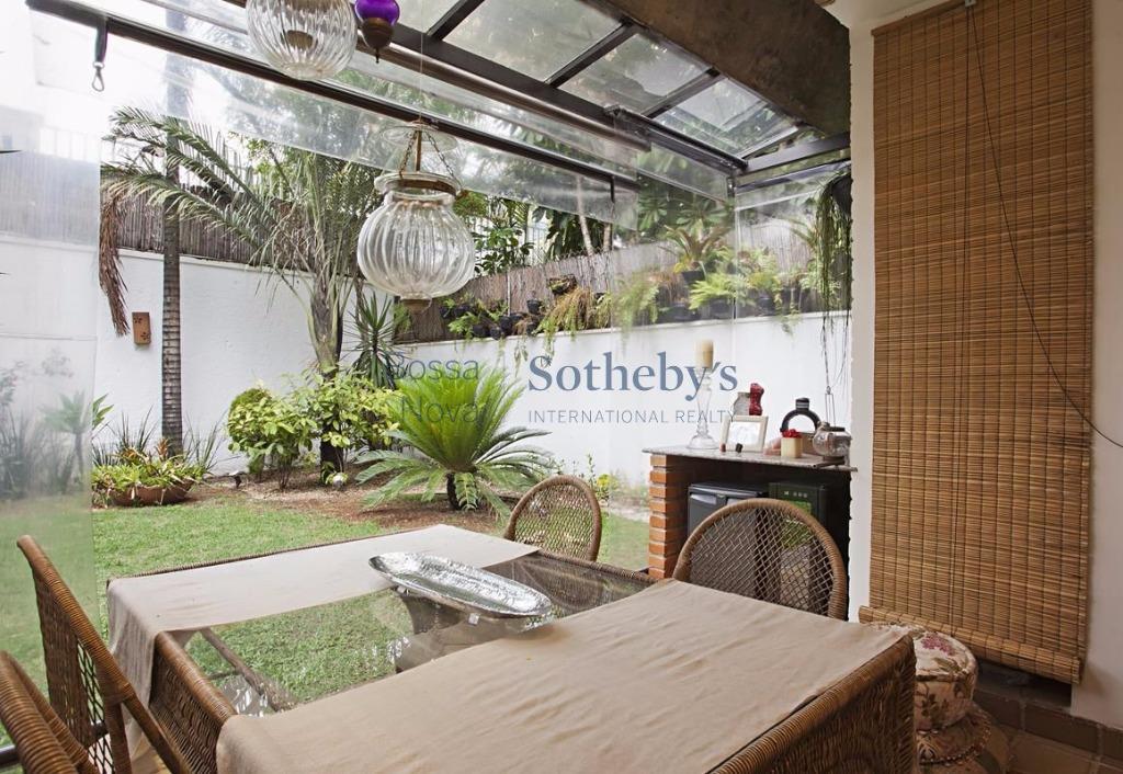 Casa de 4 dormitórios em Jardim Paulistano, São Paulo - SP