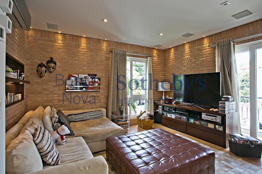 Casa em condomínio sofisticada