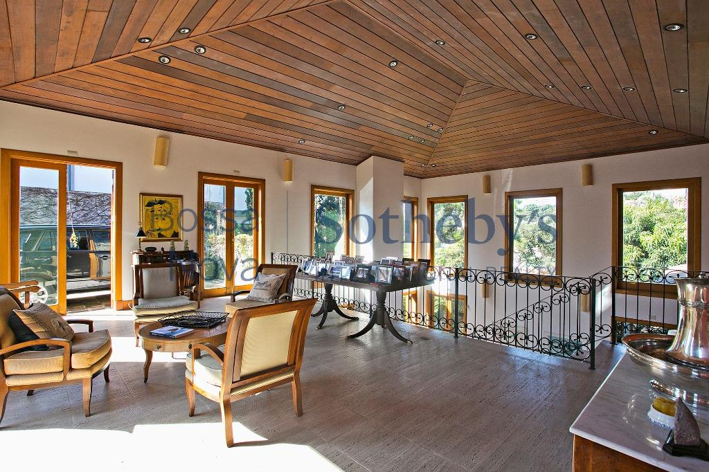 Casa estilo Toscana no Sumarézinho.